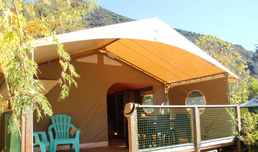lodge-camping-pre-lombard-ariege-pyrenees