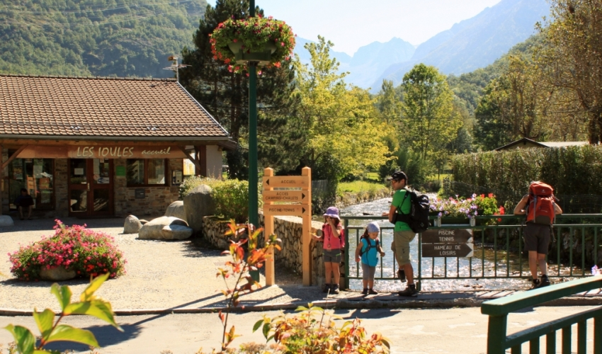 Camping-familles-les-Ioules-ariege-pyrenees-s
