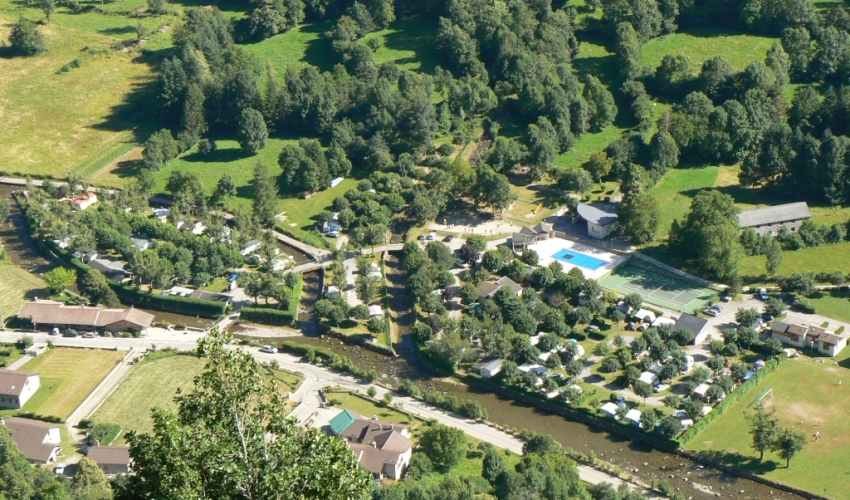 fete-orlu-Camping-tente-les-Ioules-ariege-pyrenees