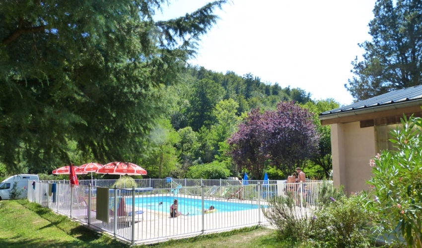 camping Piscine ariege pyrenees