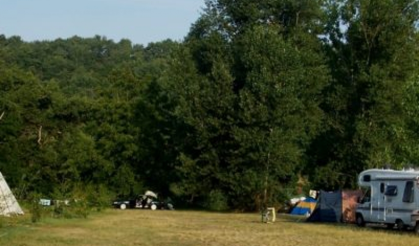 camping ariege pyrenees